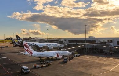 Virgin Australia and Air New Zealand planes on tarmac